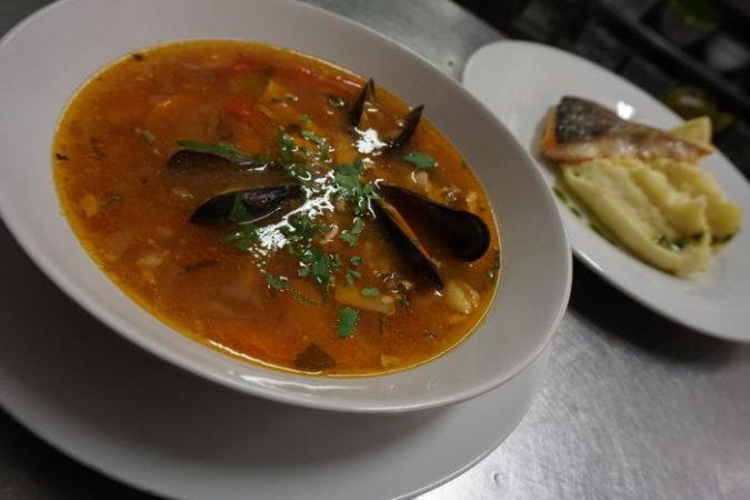 rybí polévka restaurace La Stella