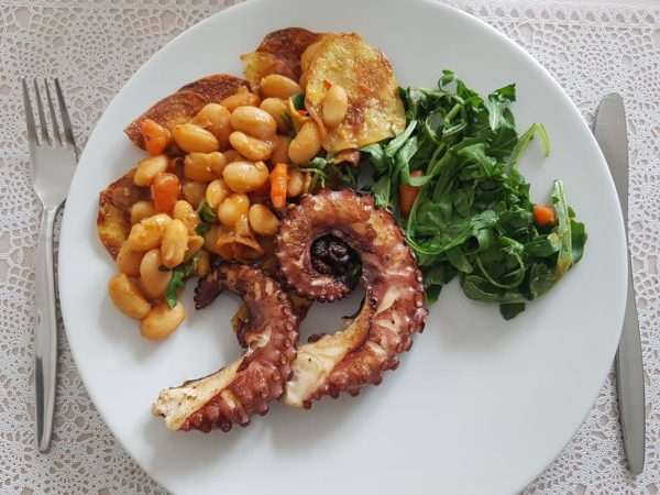 Chobotnice na grilu restaurace La Stella